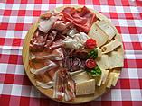 Tendenze alla moda idee per taglieri di salumi e formaggi for Idee per arredare enoteca